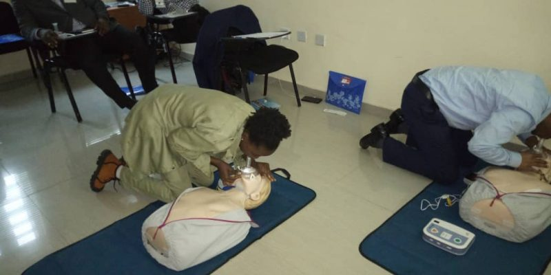 HEI FIRST RESPONDERS' PRACTICAL:  Trainees giving air-breaths to emergency victims